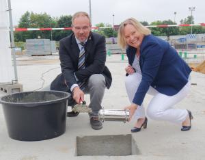 Bild - Grundsteinlegung für den Ersatzneubau an der Grund- und Gemeinschaftsschule Schacht-Audorf